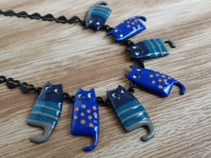 bijoux lol collier chat bleu