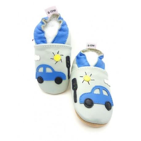 chaussons bleu enfant voiture