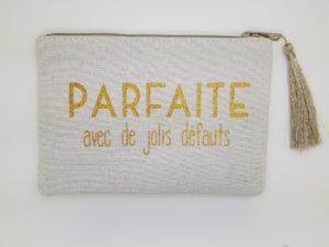 pochette trousse femme en tissus pailleté à offrir. Disponible en boutique pattesdechat.fr