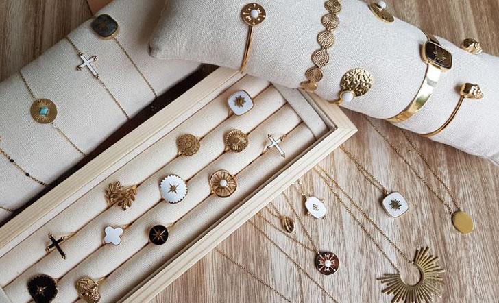 bracelets colliers