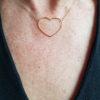 collier ras de cou coeur doré