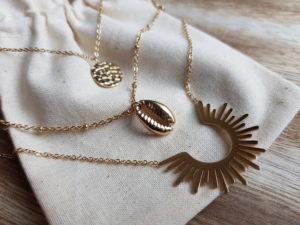collier 3 rangs en acier bijoux femme cauri
